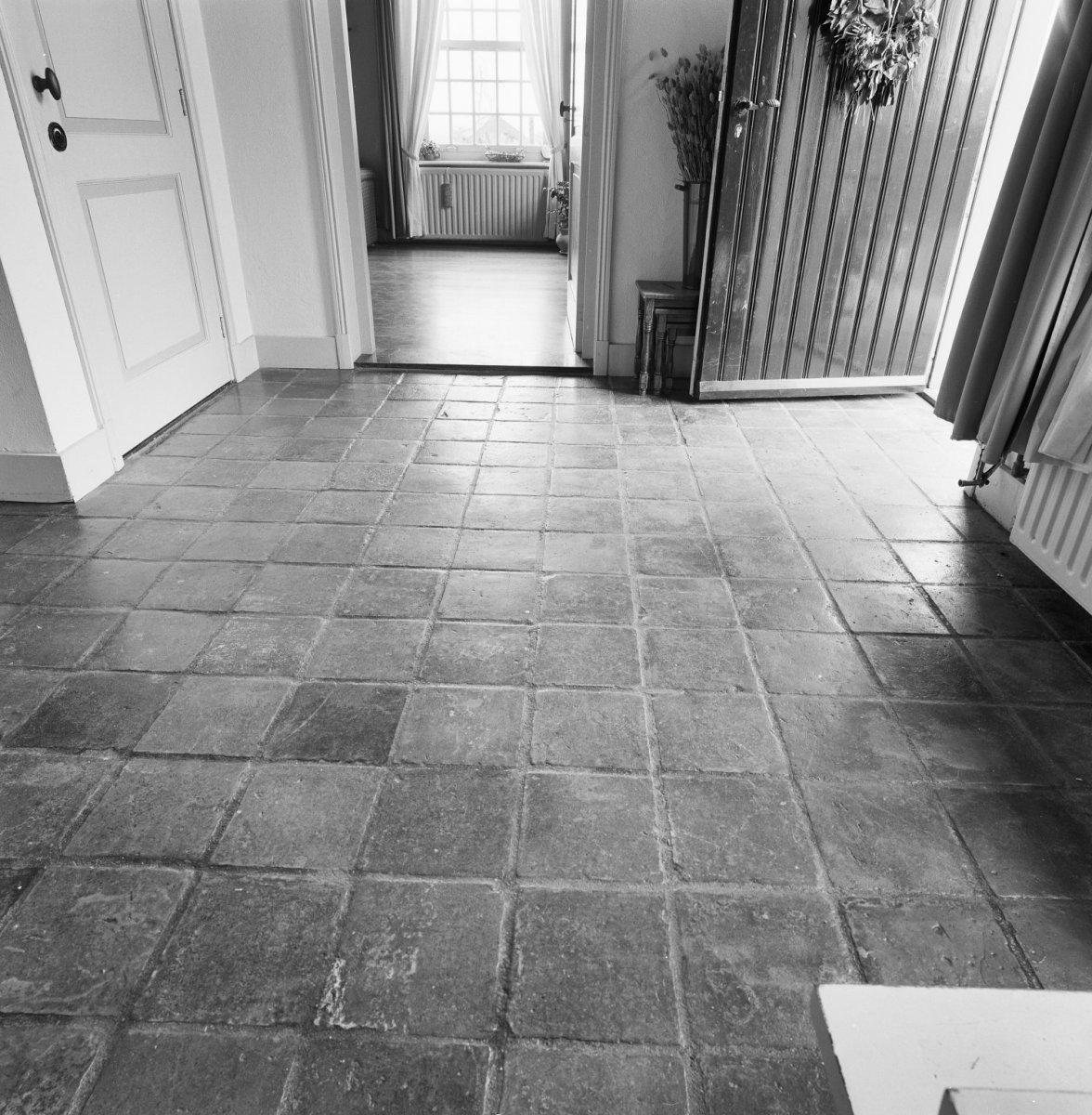 File interieur voorhuis stenen vloer aarle rixtel for Interieur steen