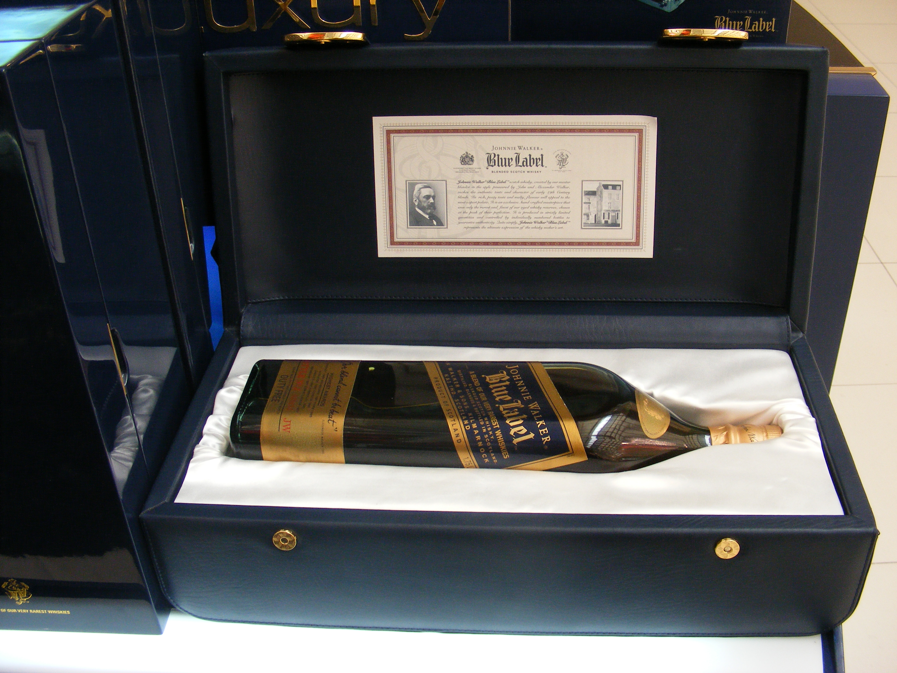 Description Johnnie Walker - Blue label.JPG