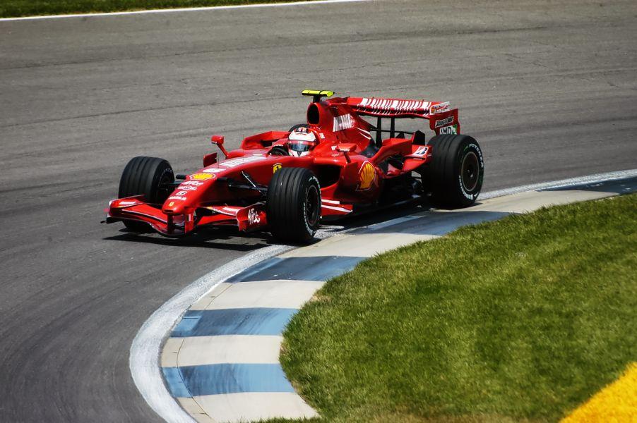 McLaren is dankzij Ferrari medewerker Nigel Stepney in handen van belangrijke informatie over de Ferrari F2007. Het is de grote bron van Spygate.