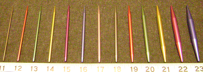 Knitting Needle Sizes : Lareliw Crafts Blog: Beginner Information - Needles