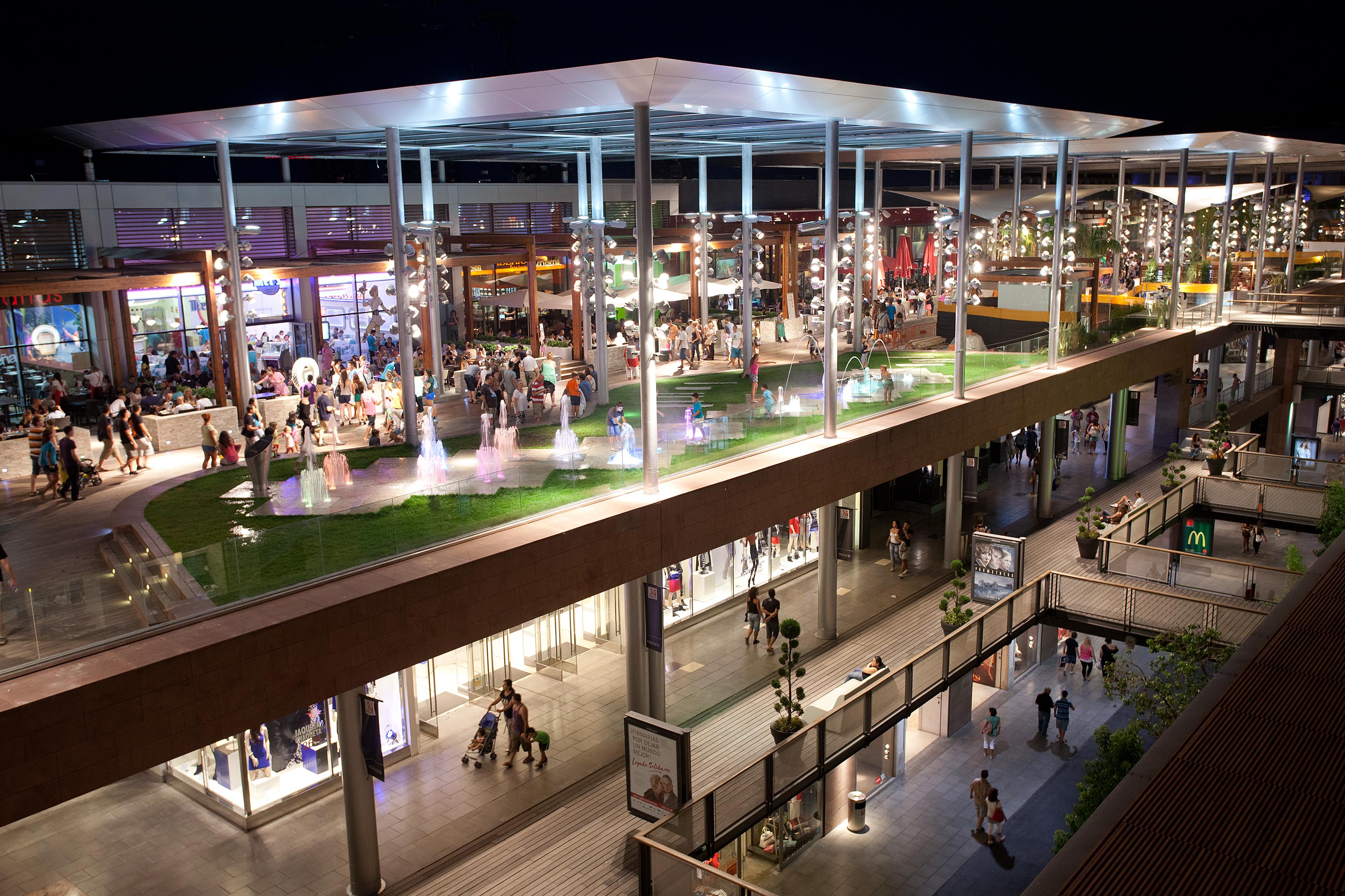 File la wikimedia commons - Centro comercial maquinista barcelona ...