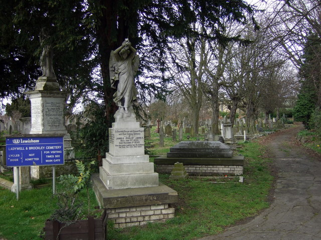 b55a0842bd Brockley and Ladywell Cemeteries - Wikipedia