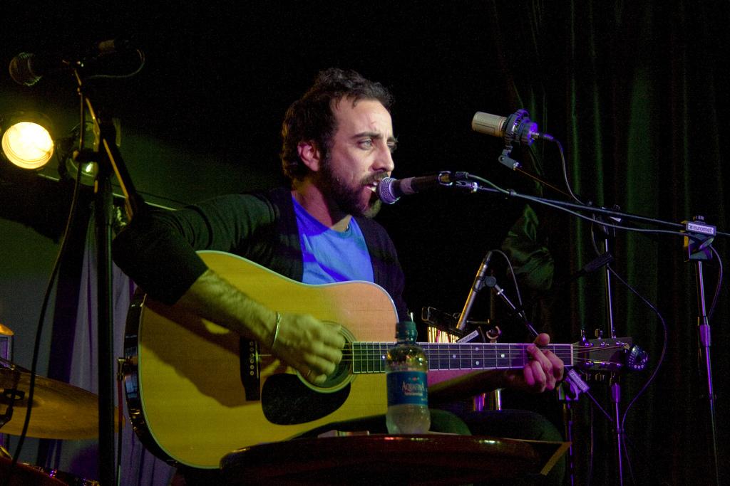 ''Lucas Masciano en concierto en Cabaret Berlín Barcelona''.