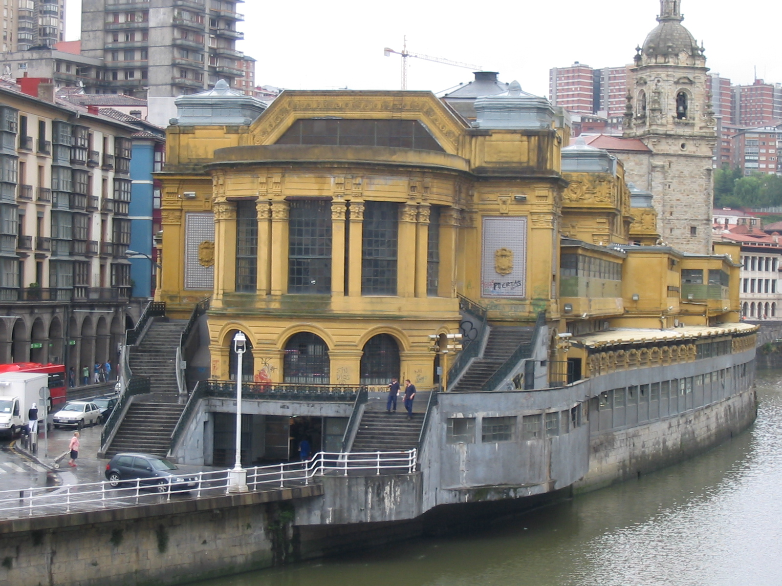 File:Mercado de la Ribera, Bilbao.jpg - Wikimedia Commons