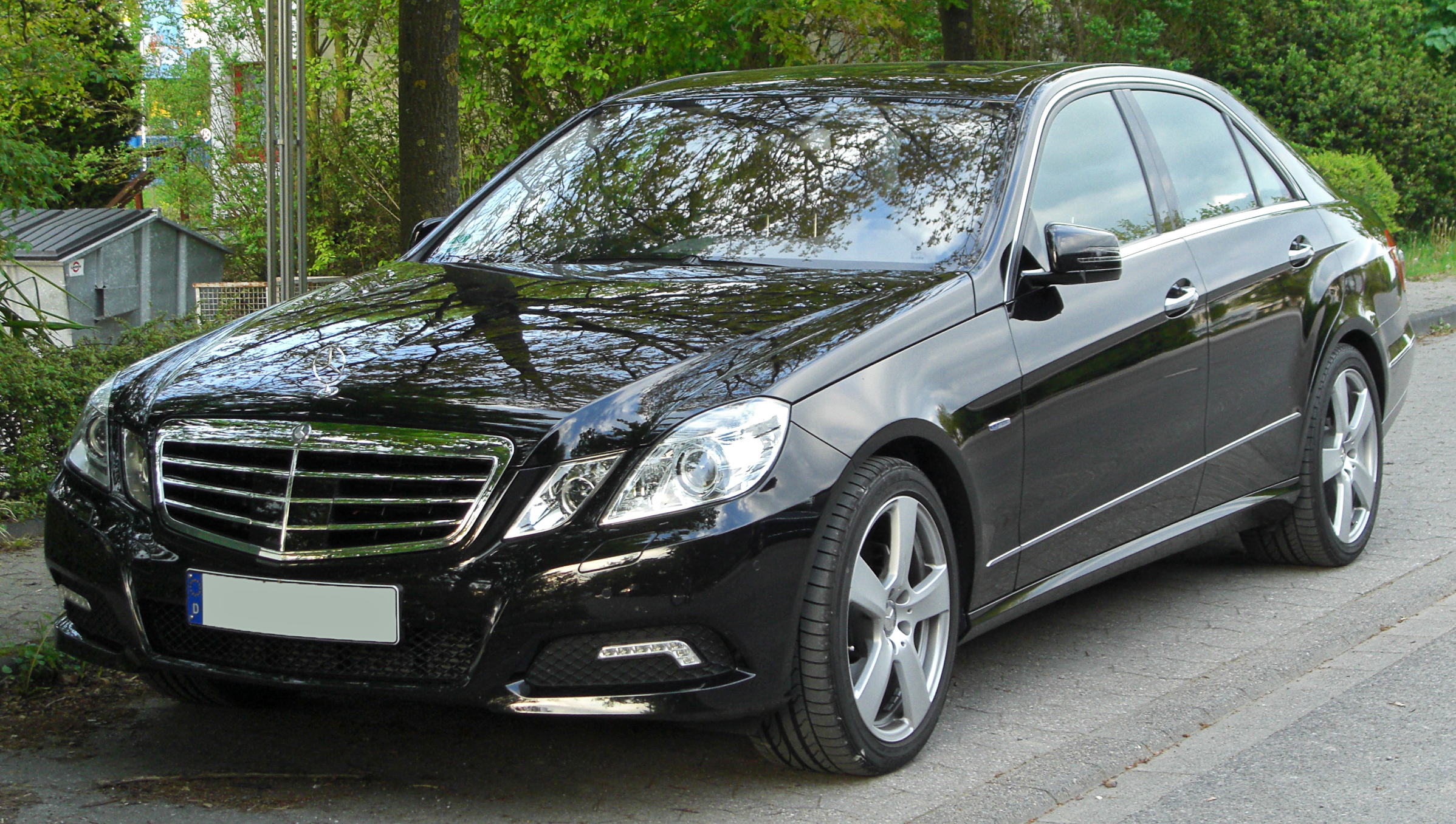 file mercedes e 250 cgi blueefficiency avantgarde w212 front wikimedia commons. Black Bedroom Furniture Sets. Home Design Ideas