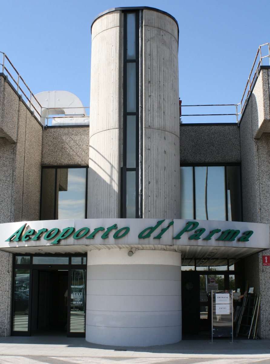 帕尔马机场 (意大利)