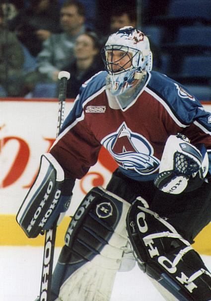 Patrick Roy portant l'uniforme de l'Avalanche du Colorado. - Ligue nationale de hockey