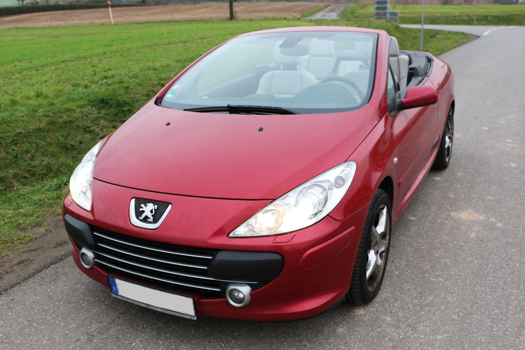 File Peugeot 307cc Babylon Red Cabriolet Coupe 2 Jpg Wikimedia Commons