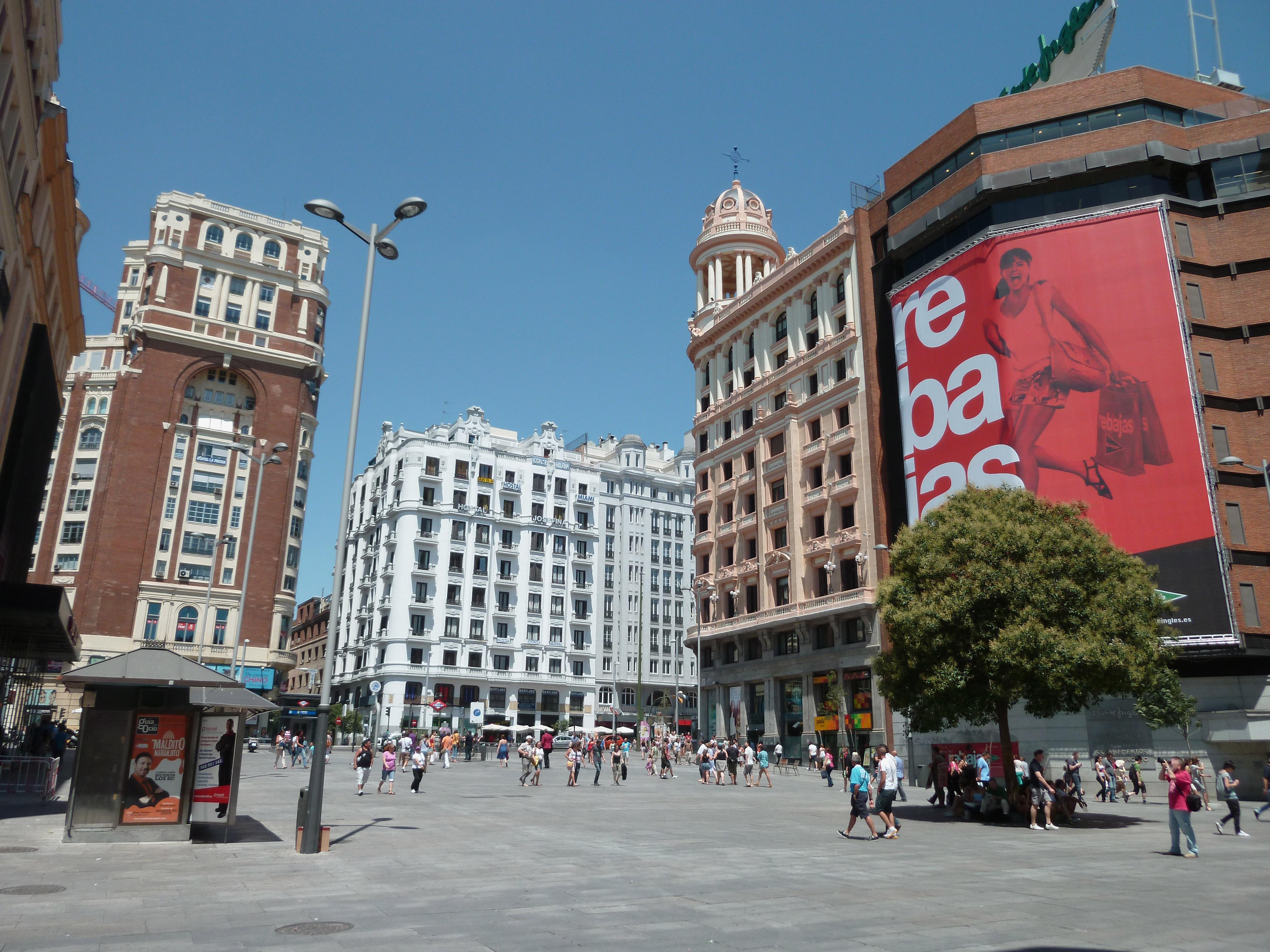 File:Plaza del Callao (Madrid) 06.jpg - Wikimedia Commons