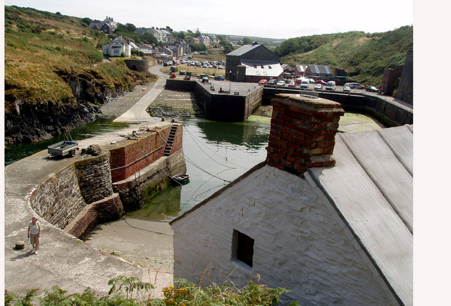 Porthgain and Harbour - geograph.org.uk - 946178