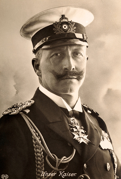 Archivo:Postcard Kaiser Wilhelm II of Germany circa 1910.jpg