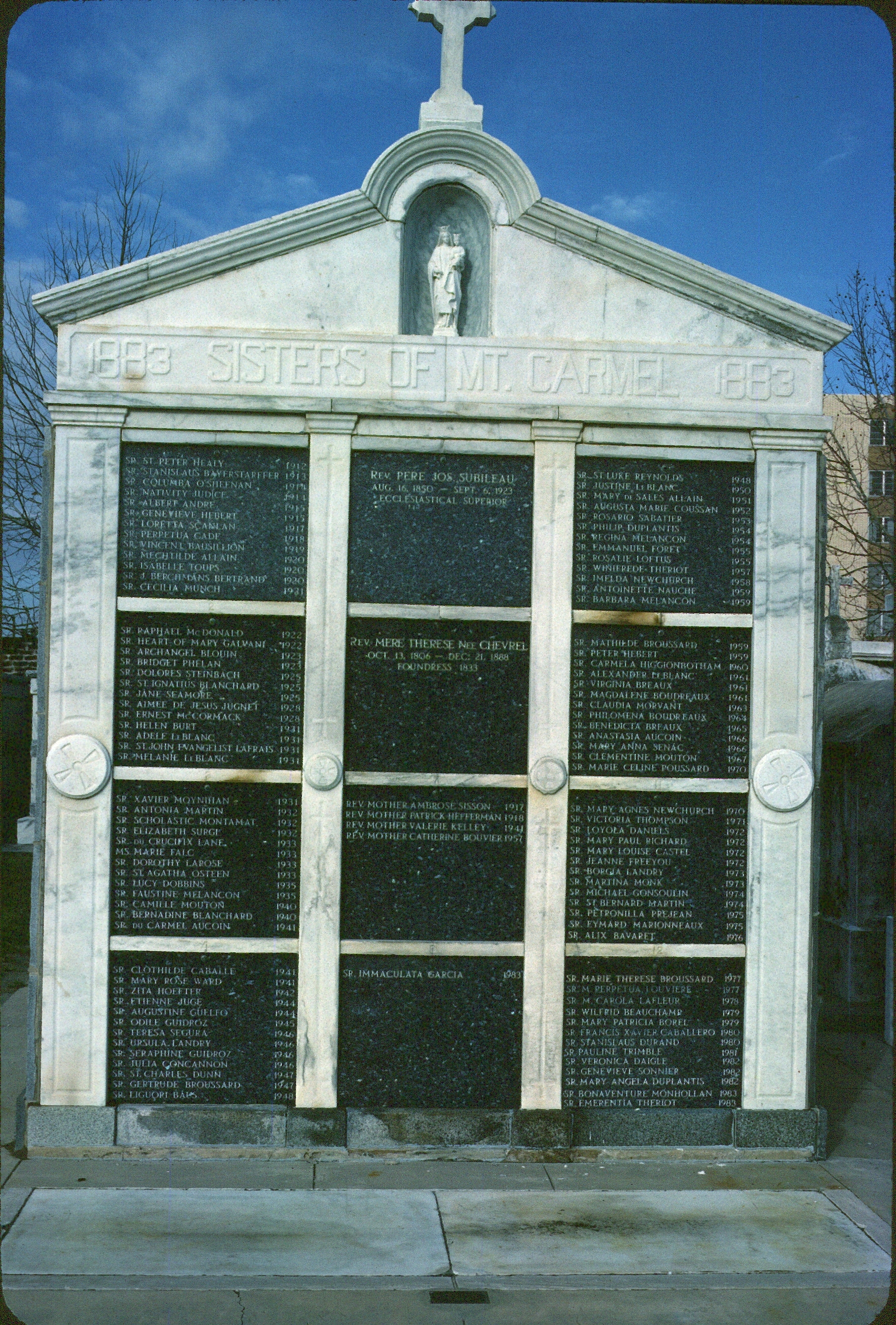 File:Sisters of Mt Carmel crypt 1984 New Orleans jpg