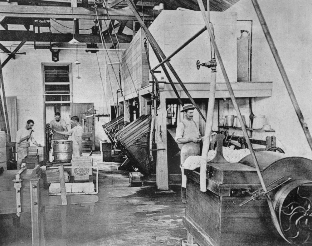 File Statelibqld 1 128150 Workers Inside The South