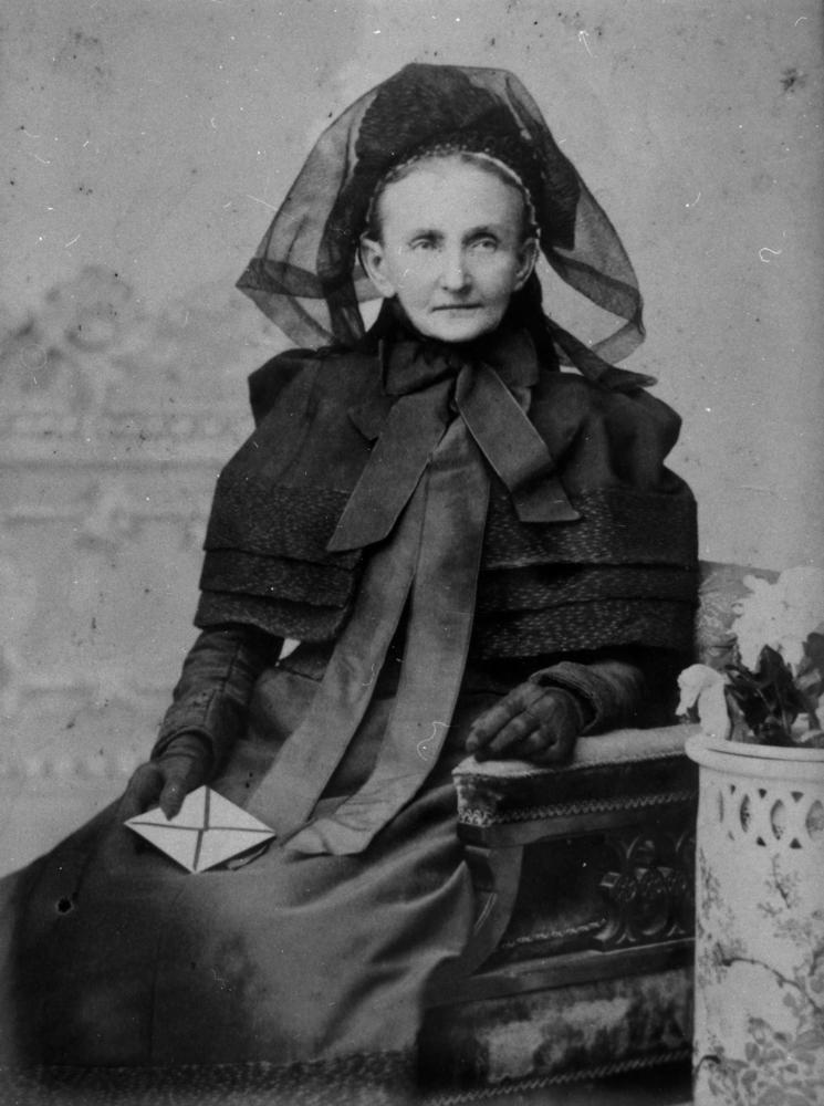 1900 Mourning Clothes