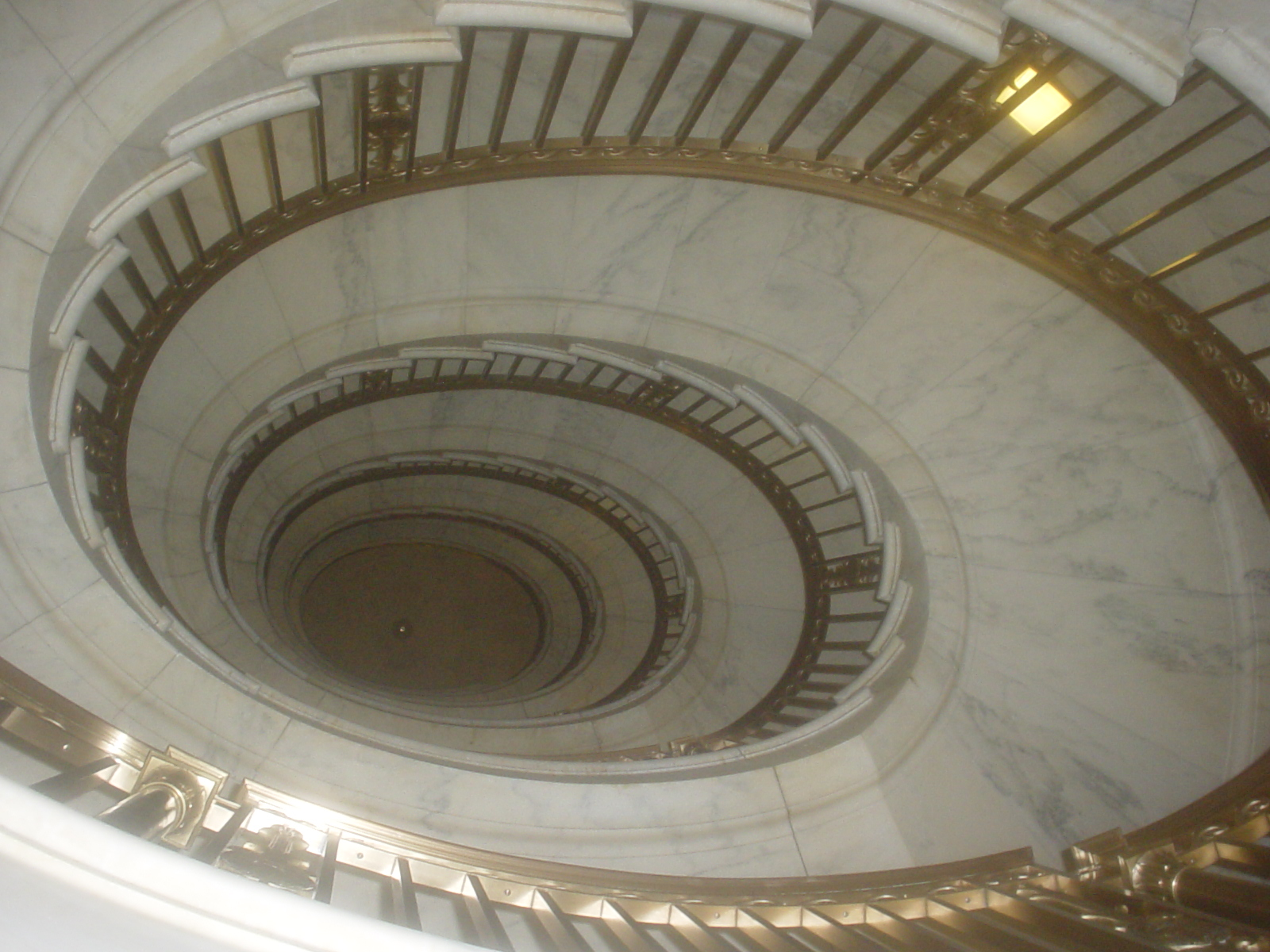 File:Supreme Spiral Staircase - Rory Finneren.jpg - Wikimedia Commons