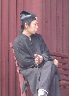 Taoïstische priester bij de Taishanpiek in China