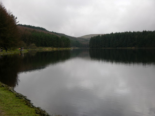 Turton and Entwistle Reservoir looking West - geograph.org.uk - 659463
