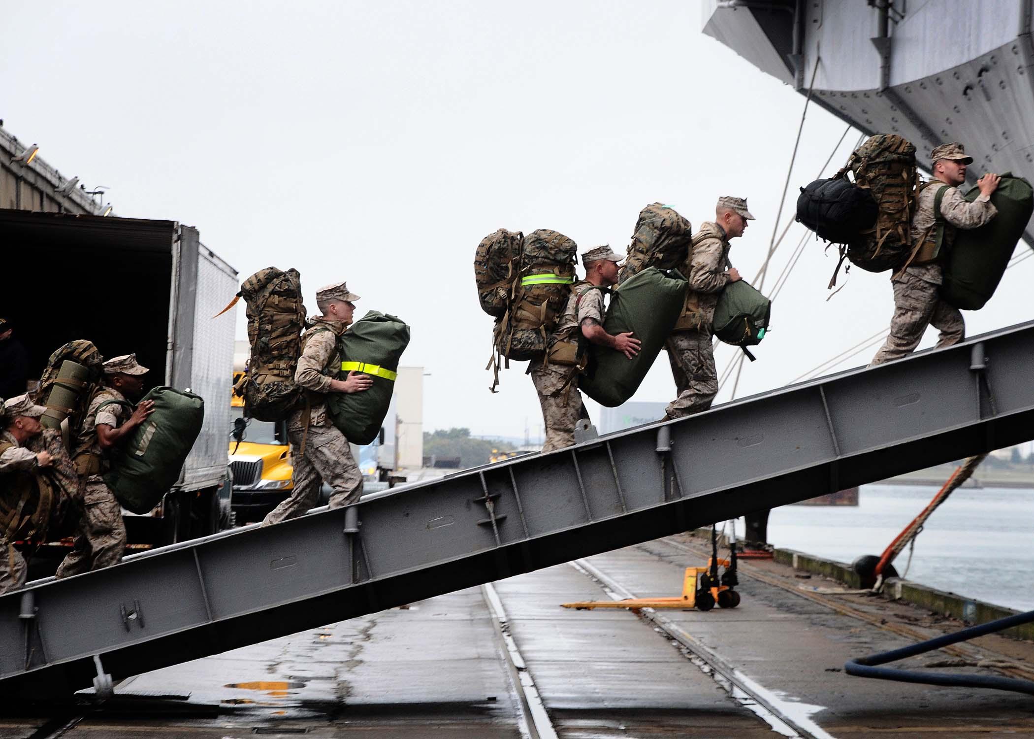 US_Marines_deploying_to_Mediterranean_Se