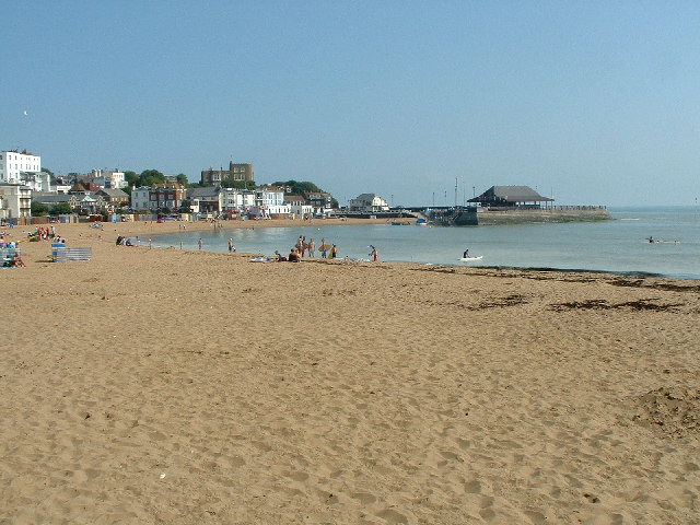 File:Viking Bay, Broadstairs - geograph.org.uk - 39663.jpg