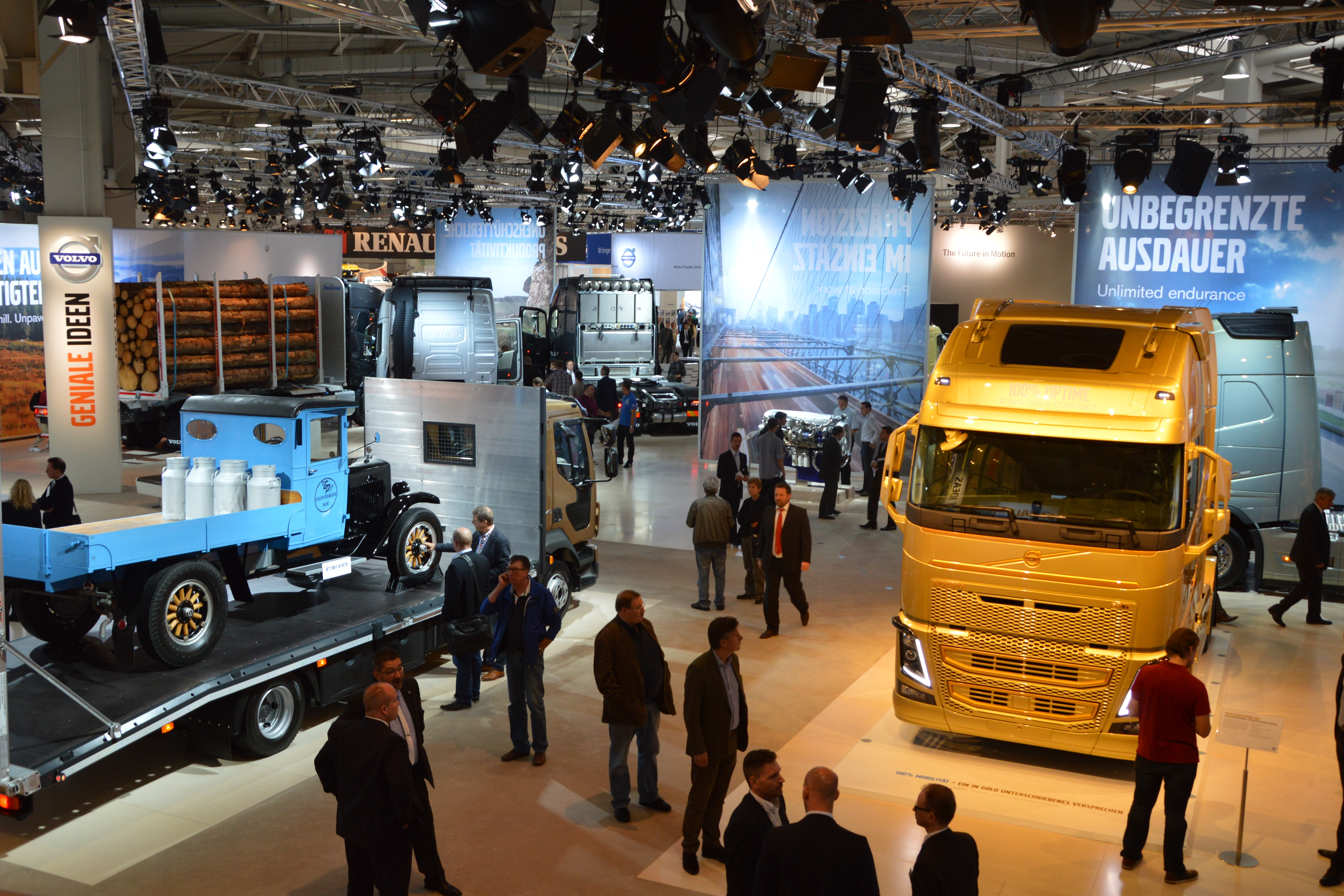 Volvo Exhibition Stand : File volvo stand at iaa spielvogel g wikimedia