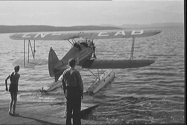 Widerøe Waco RNF LN-EAB at Ingierstrand 2.jpeg