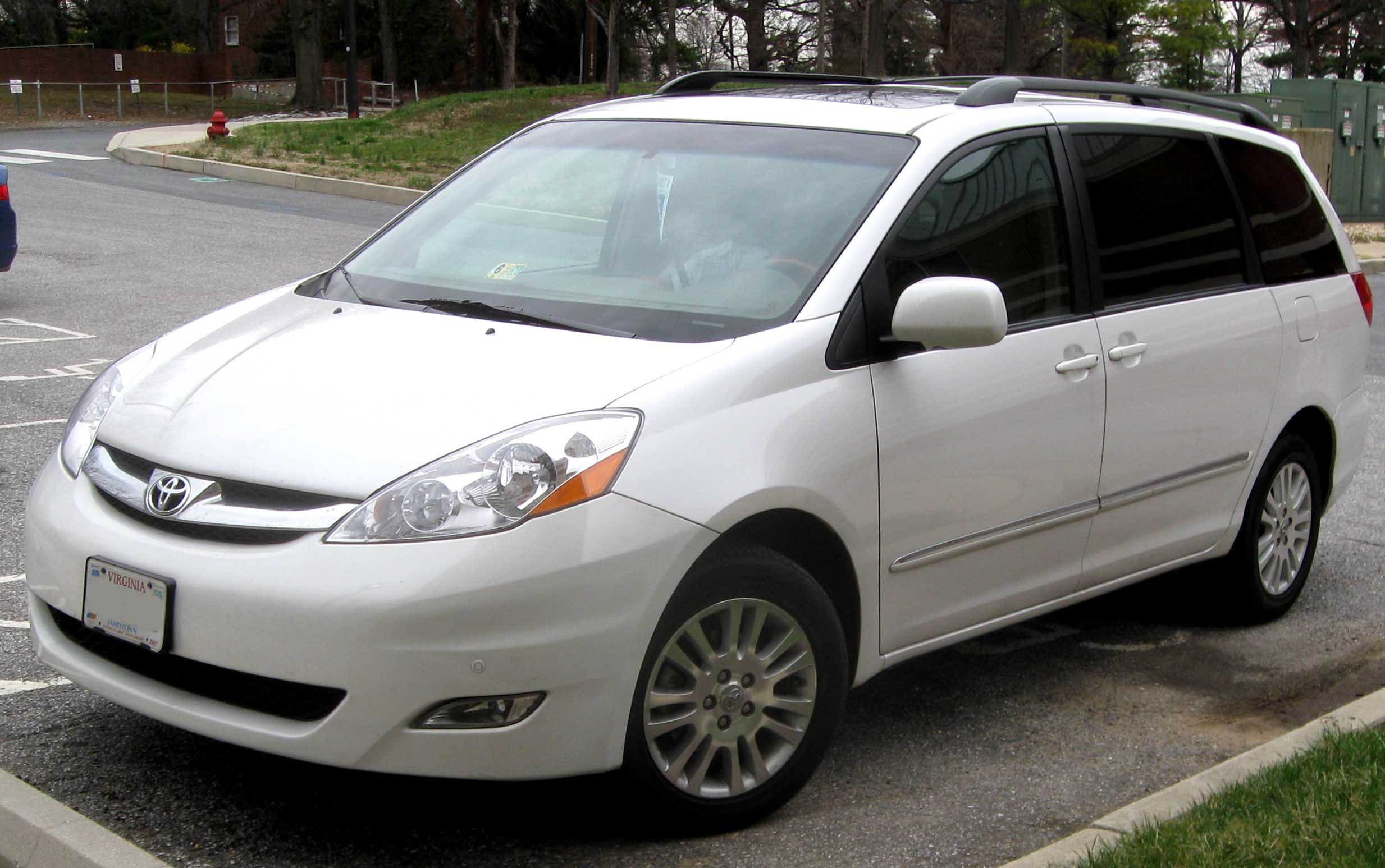 File 07 09 Toyota Sienna Limited Jpg Wikimedia Commons