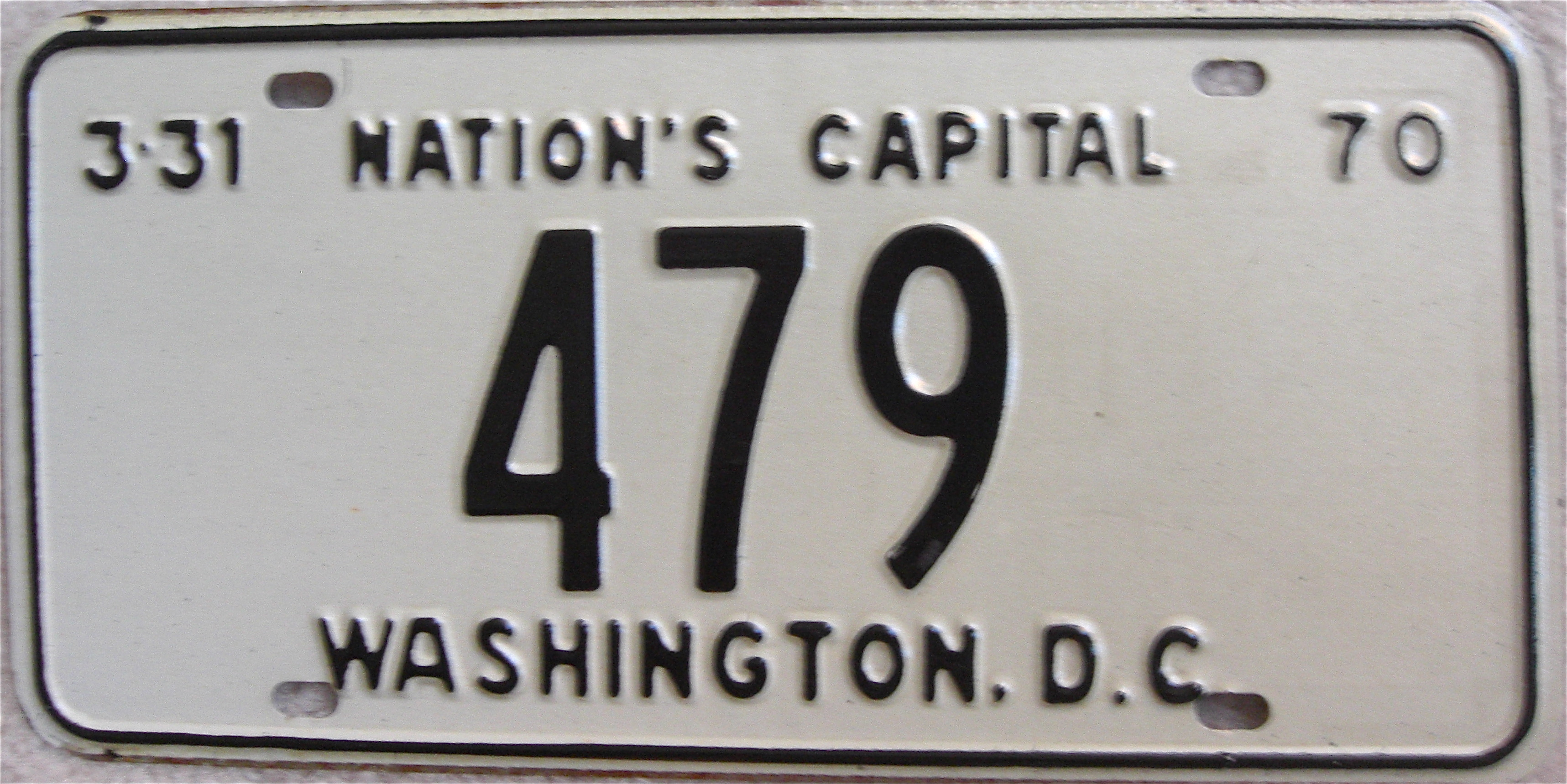 File:1970 Washington, D.C. low number license plate.jpg - Wikimedia ...