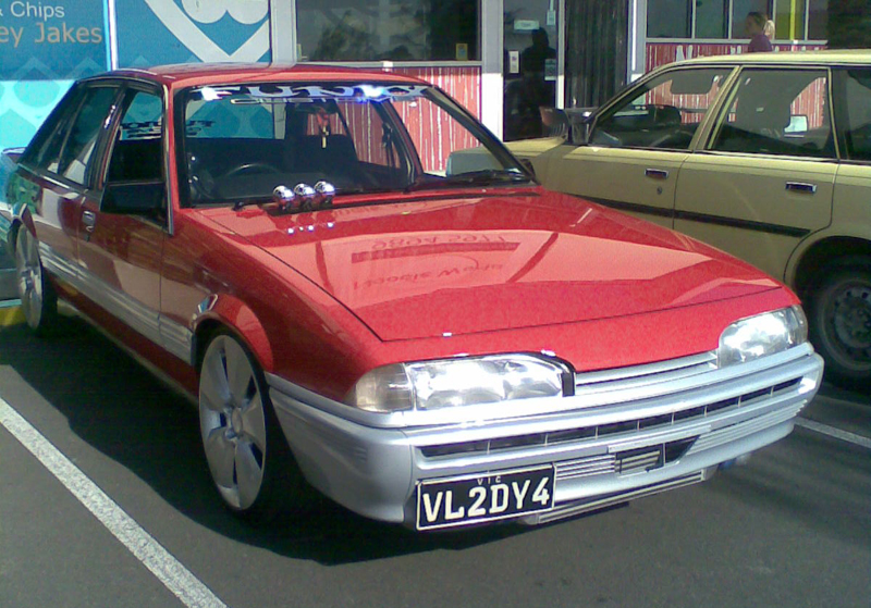 1986 Holden Vl: File:1986-1988 Holden VL Commodore 01.jpg
