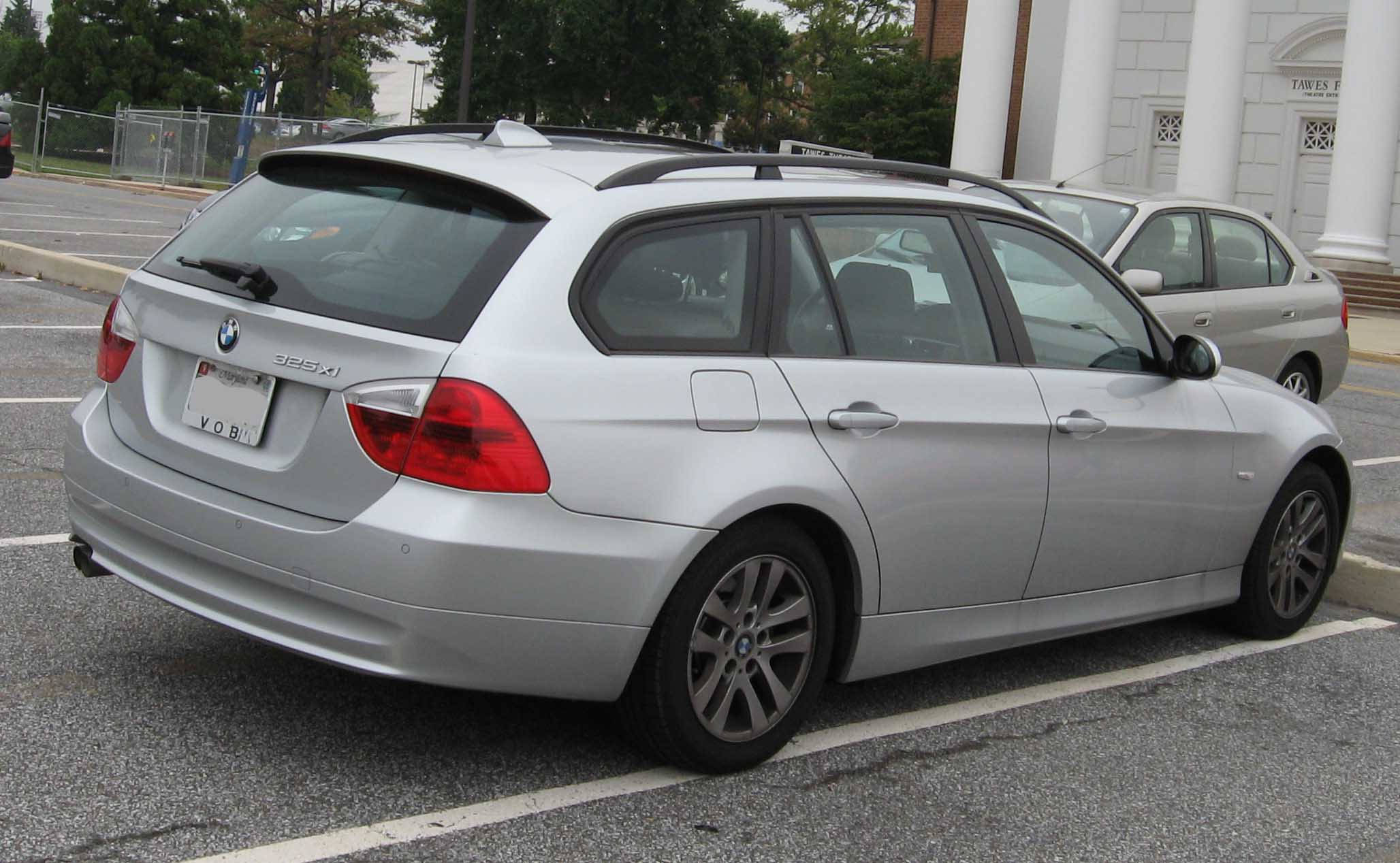 File 2006 Bmw 325xi Wagon Jpg Wikimedia Commons