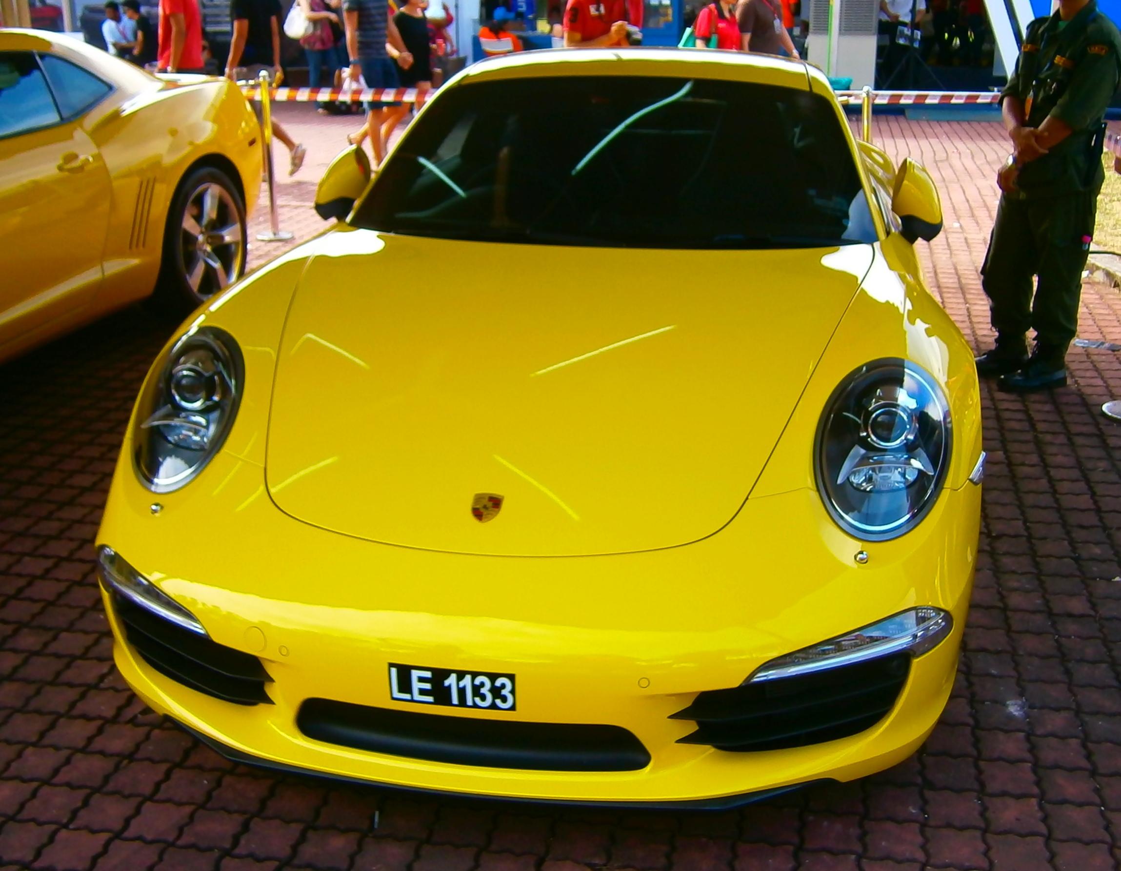 File:2012 Porsche 911 (991) Carrera S at Sepang Intl. Circuit ...