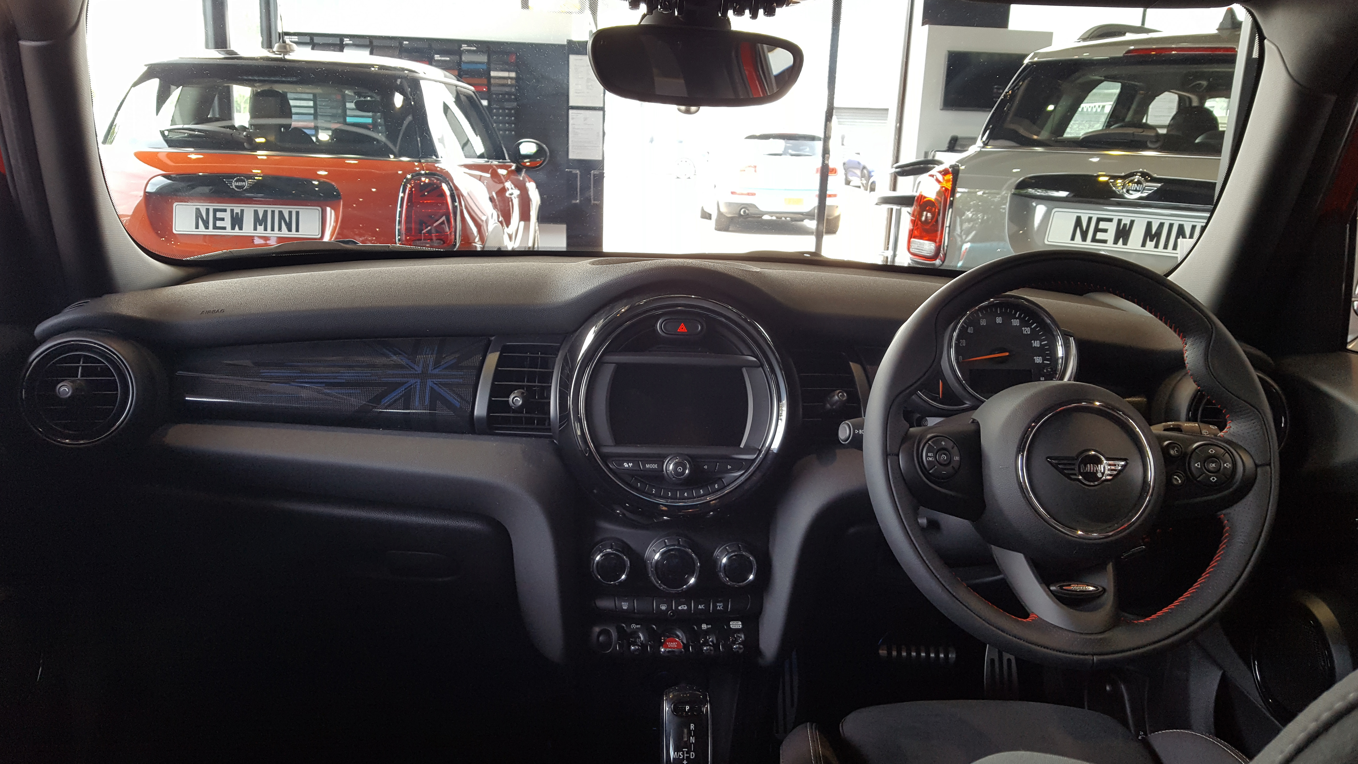 File:2018 Mini Cooper 5 Door Hatch 1.5 Interior