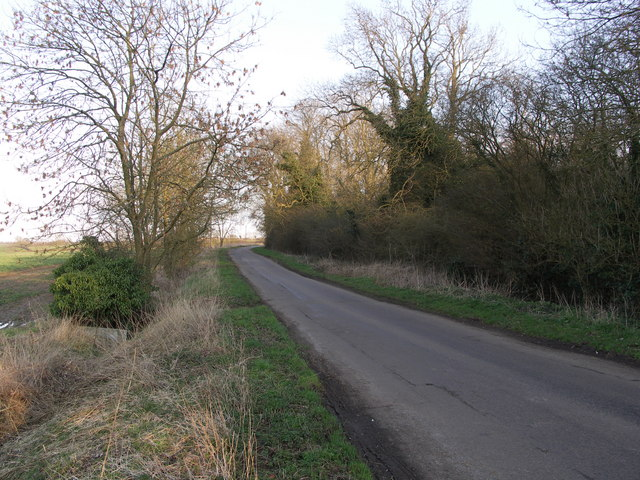 File:A Small Section of Midshires Way. - geograph.org.uk - 364504.jpg