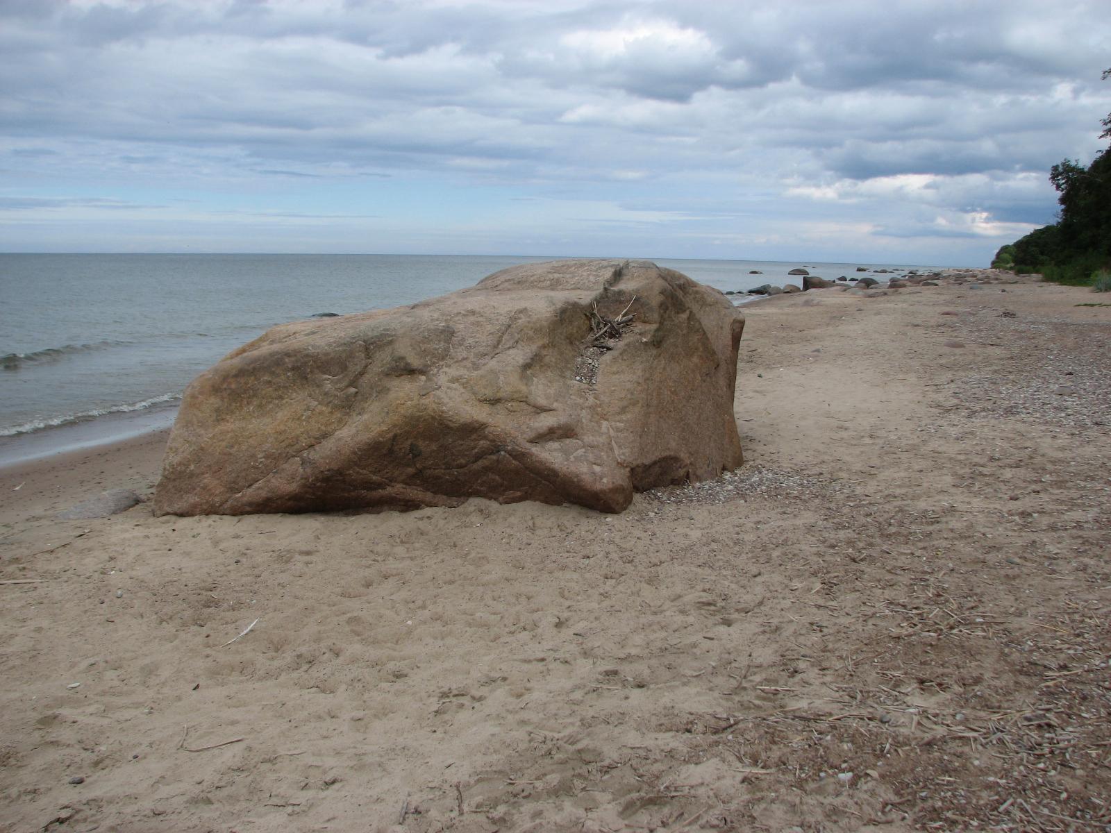 Фото с деревенского пляжа 24 фотография