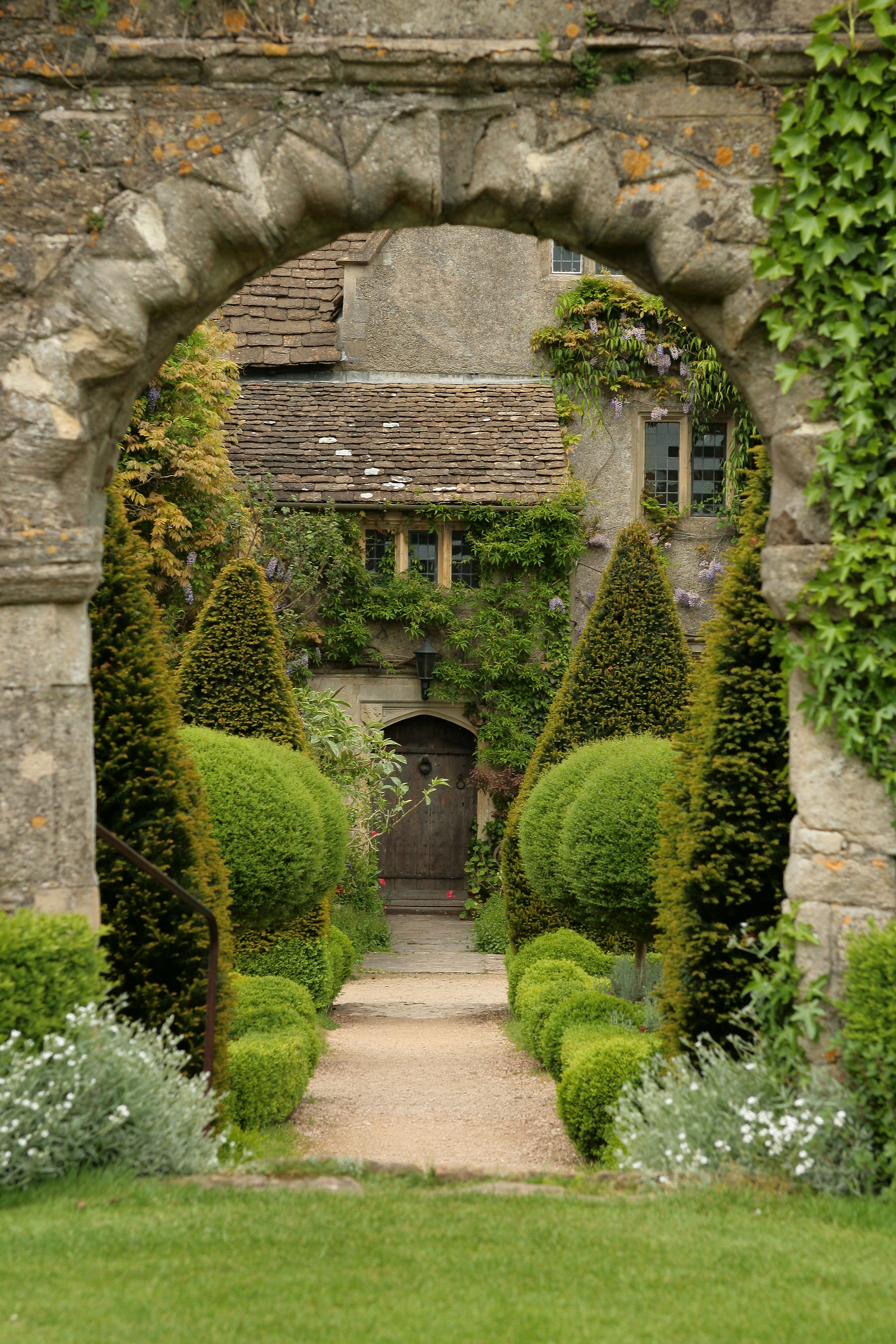 Abbey house gardens for House to home gardens