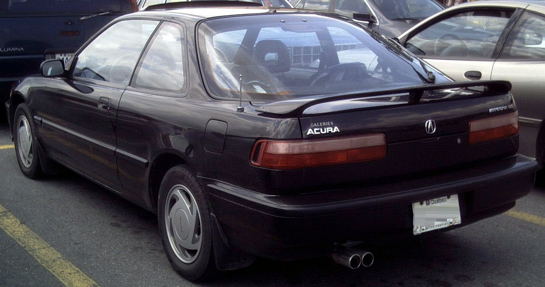 1991 acura emblems integra and trim emblems up top the only the 1990 and 91 share in common for the rear end are the tailights clear signal and reverse