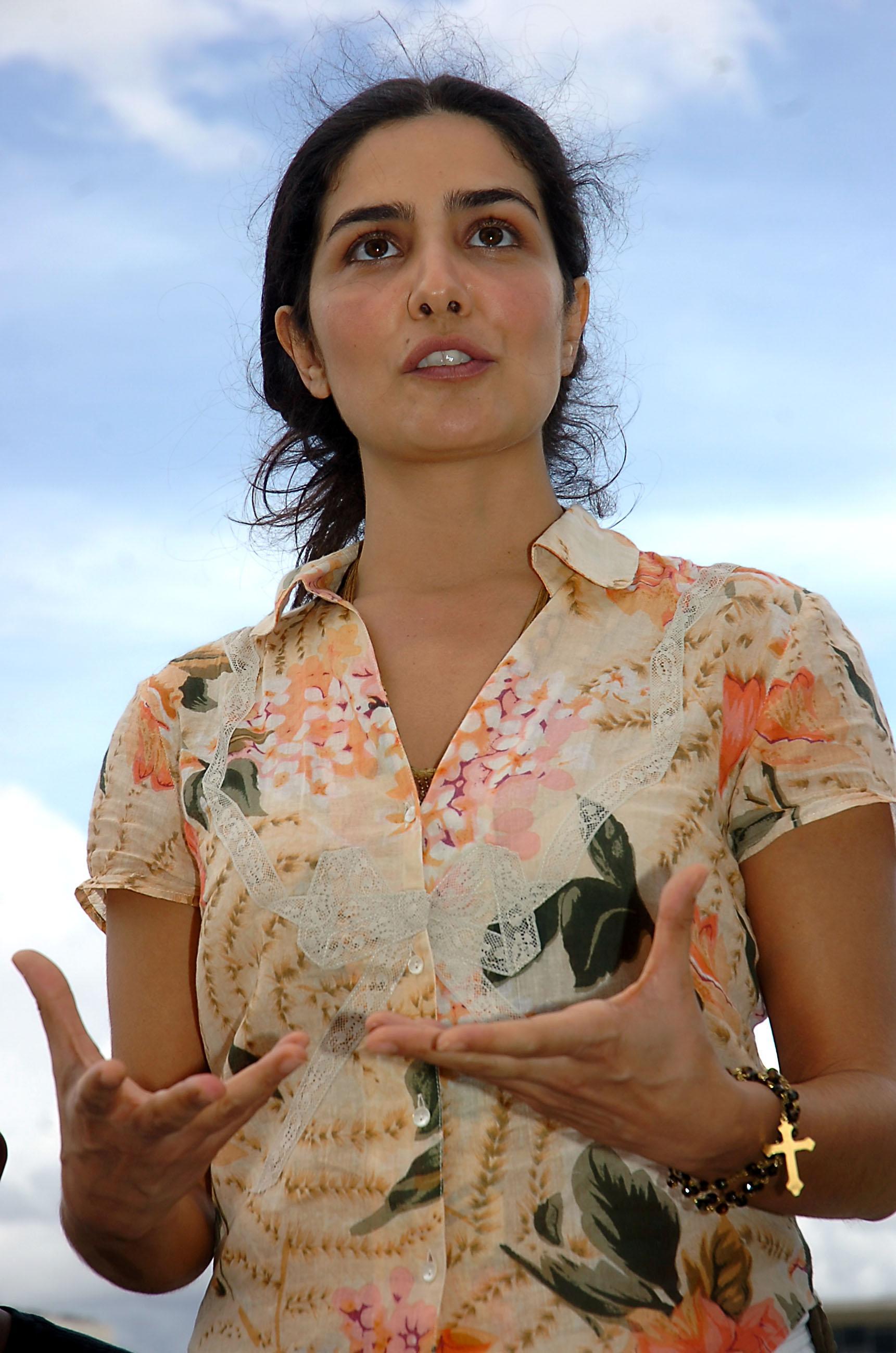 Andreia Beltrao Nua letícia sabatella – wikipédia, a enciclopédia livre