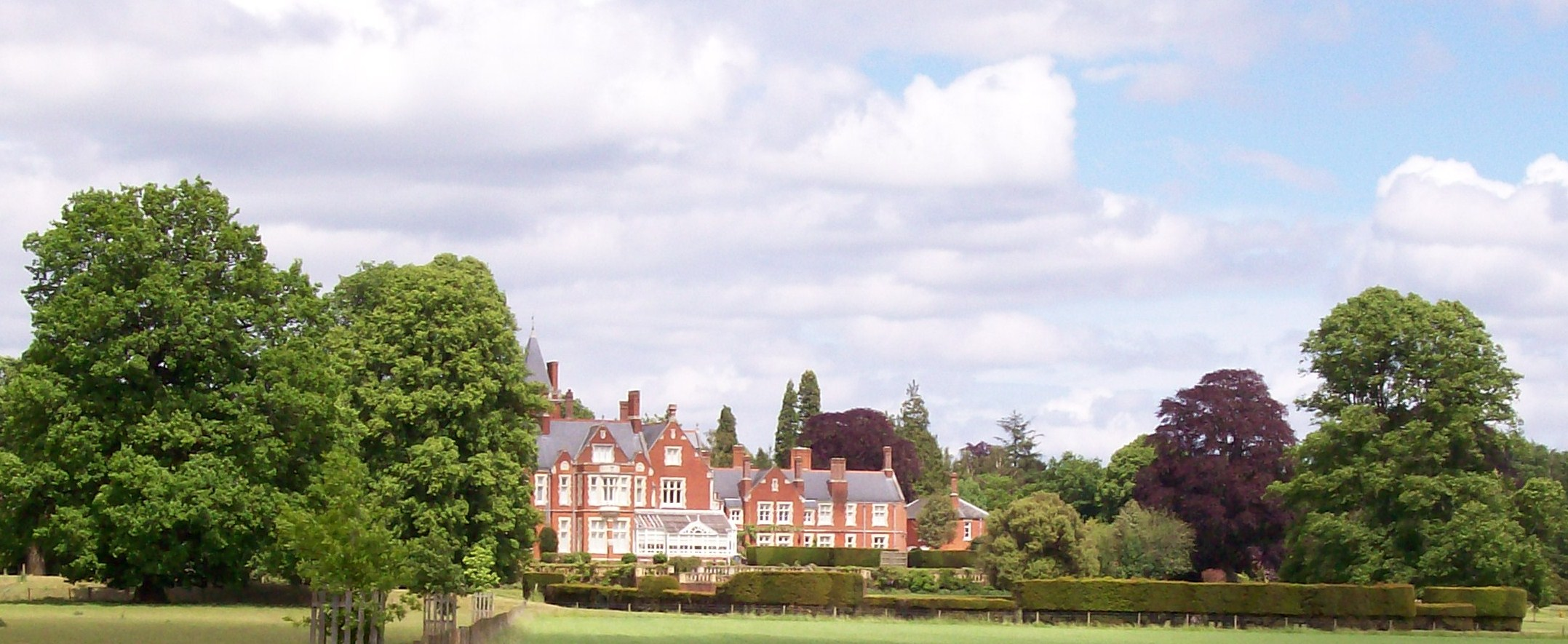 File Bagshot Park House Geograph 3511379 Jpg Wikimedia Commons