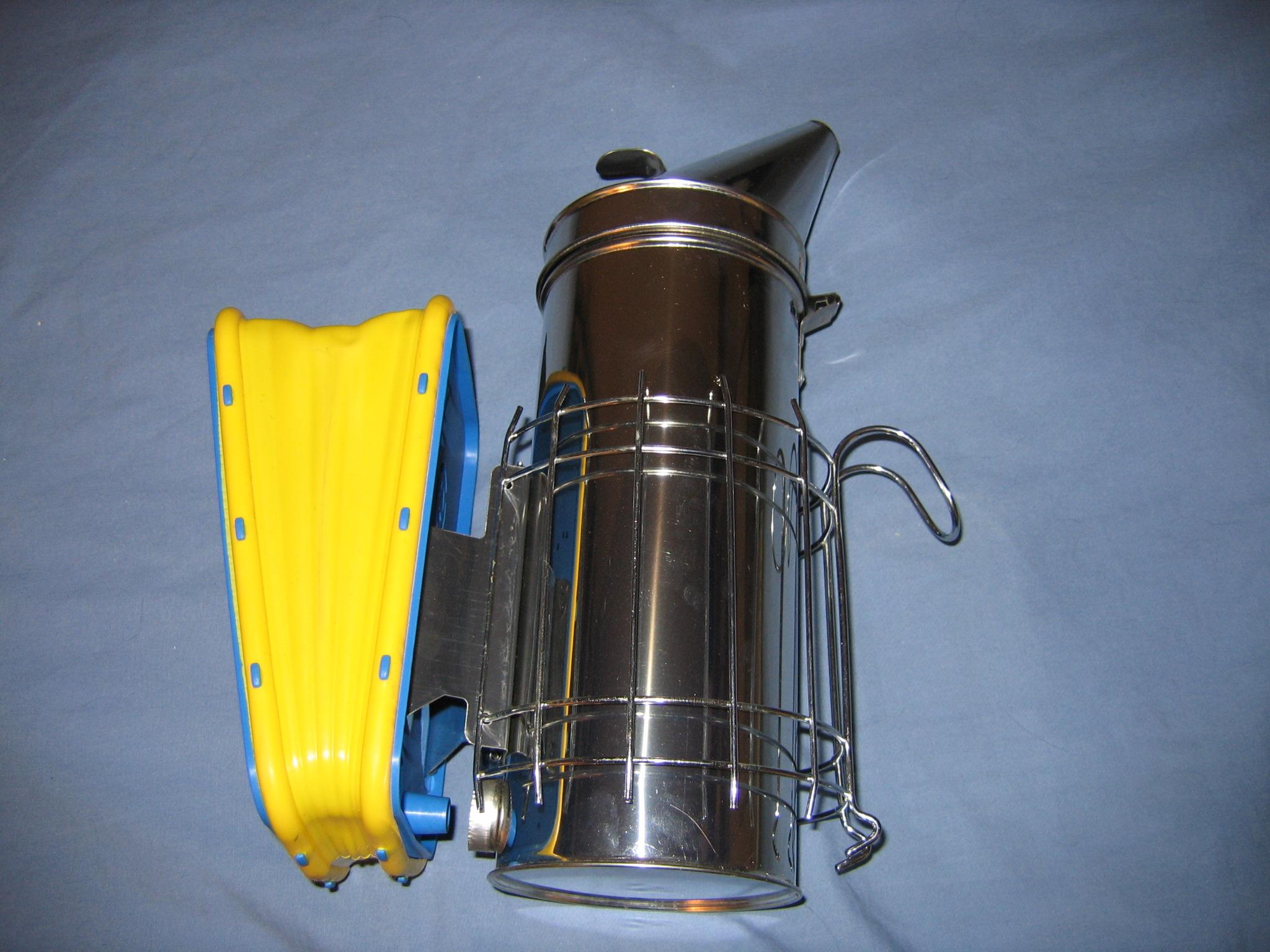 File:Beekeeping smoker.jpg - Wikimedia Commons