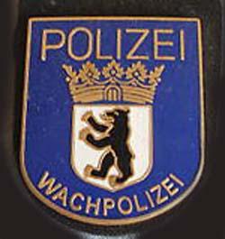 File:Berlin WachPol (V).jpg