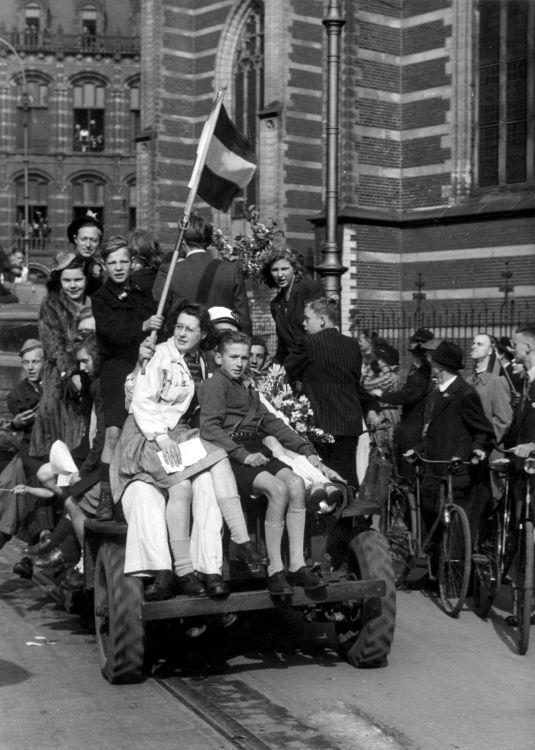 BevrijdingAmsterdam1945.jpg