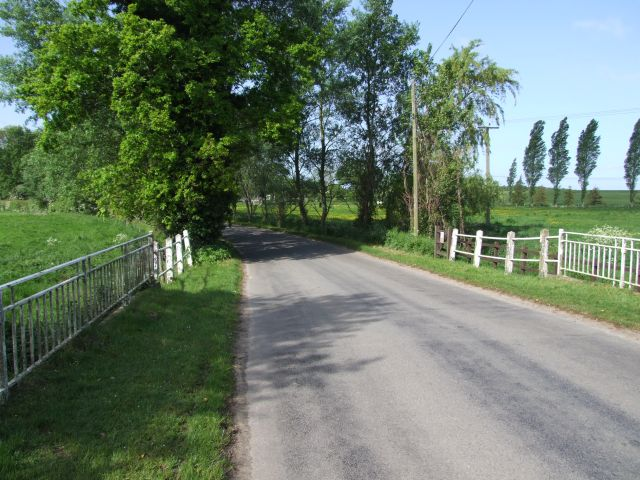 File:Bridge over the River at Rushmere - geograph.org.uk - 439827.jpg