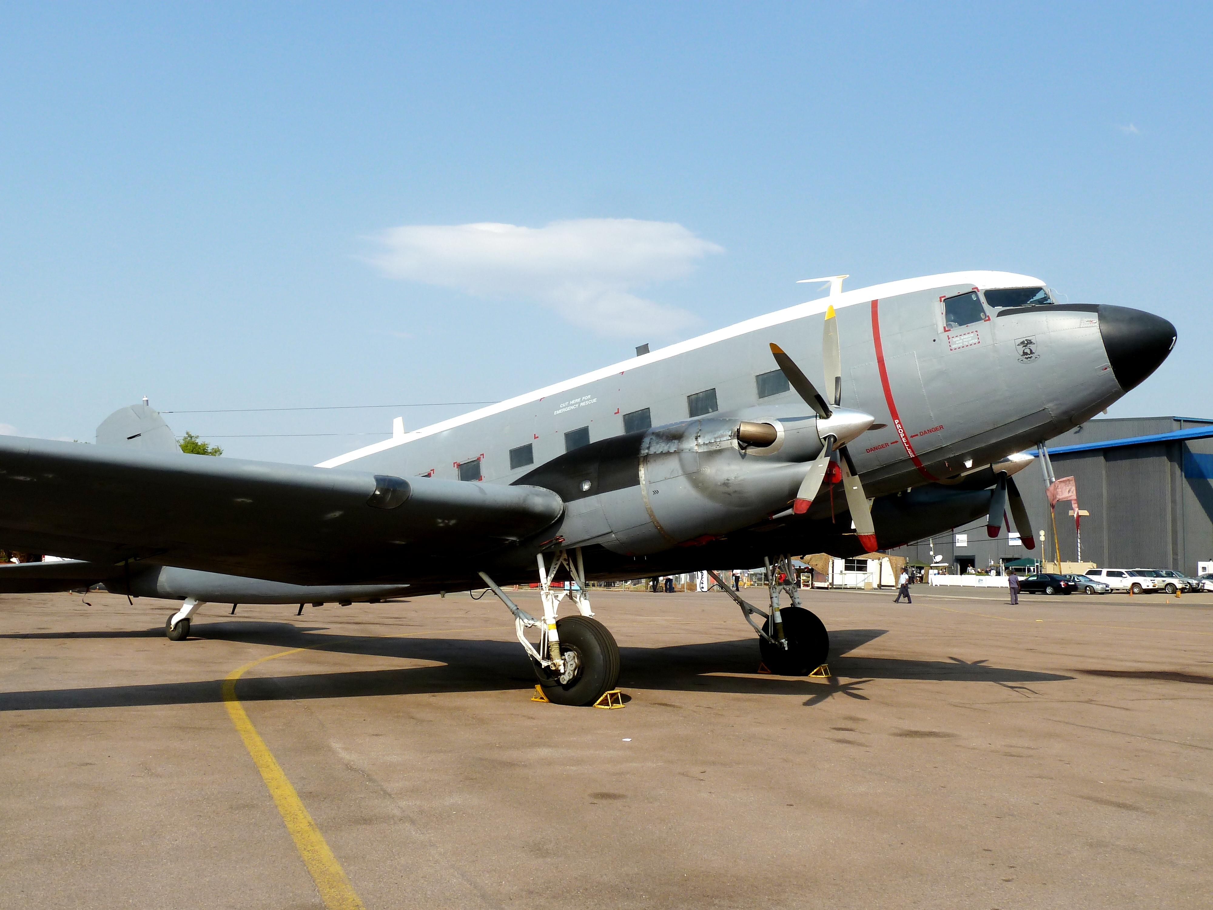 File:C-47TP Dakota, a, Waterkloof Lugmagbasis jpg - Wikimedia Commons