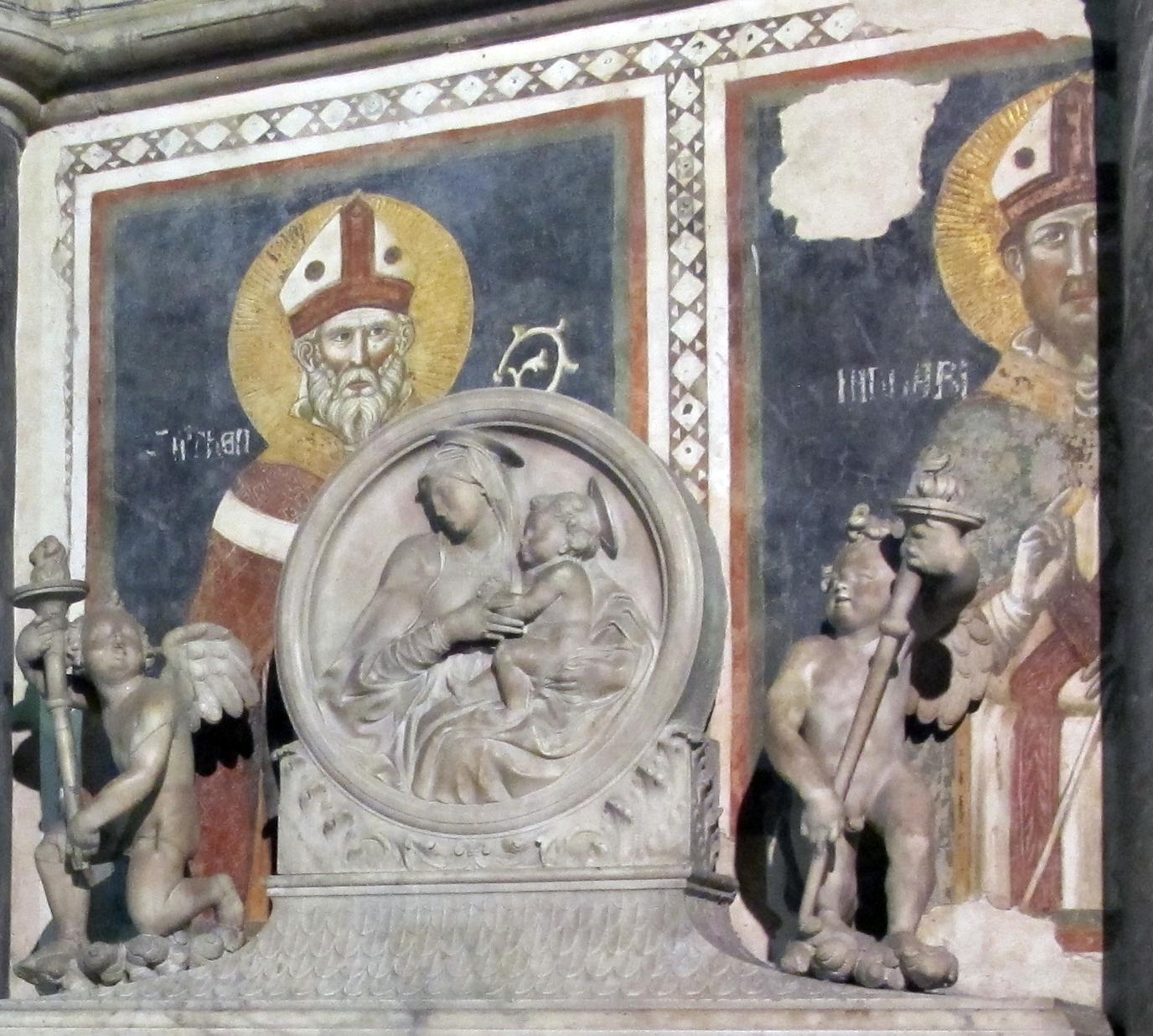 https://upload.wikimedia.org/wikipedia/commons/2/2a/Cappella_tocco%2C_zoccolo_con_affreschi_di_pietro_cavallini_04%2C4.jpg
