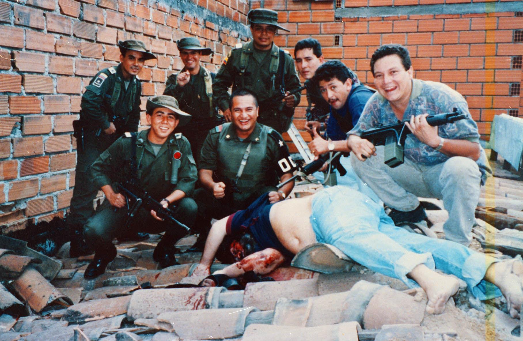 Description Death of Pablo Escobar.jpg