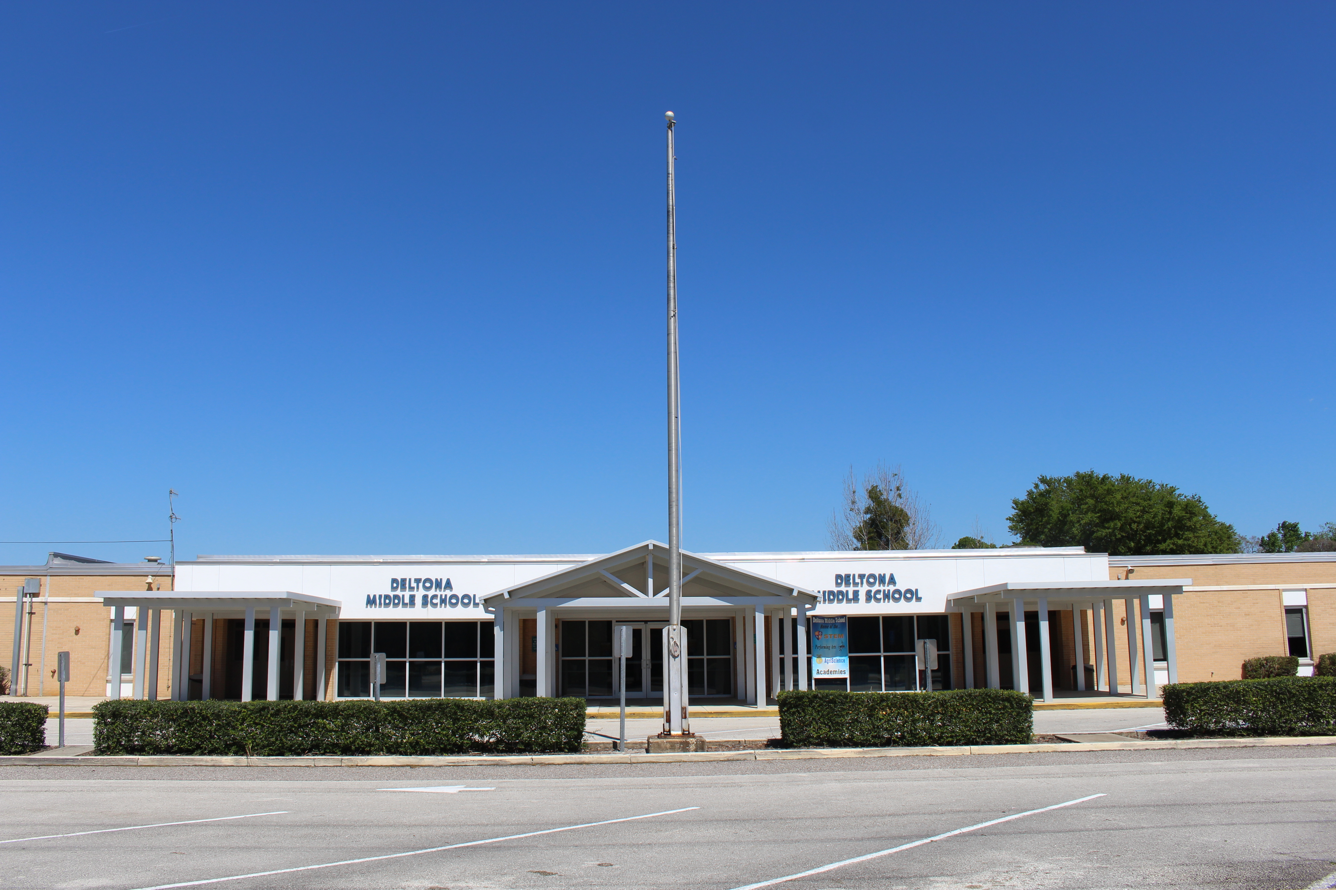 File:Deltona Middle School.jpg - Wikimedia Commons
