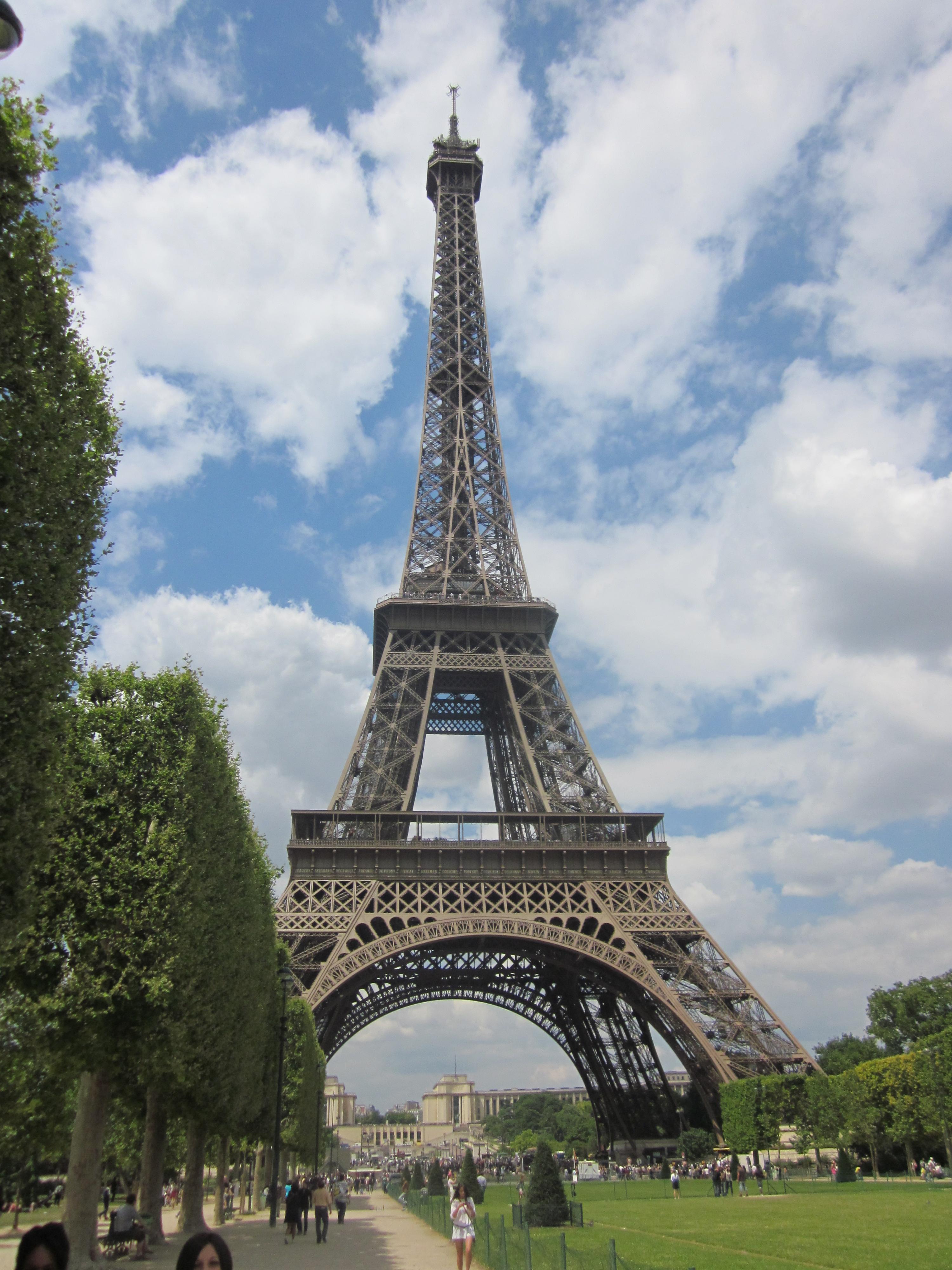 File Eiffel Tower In Paris Wikimedia Commons
