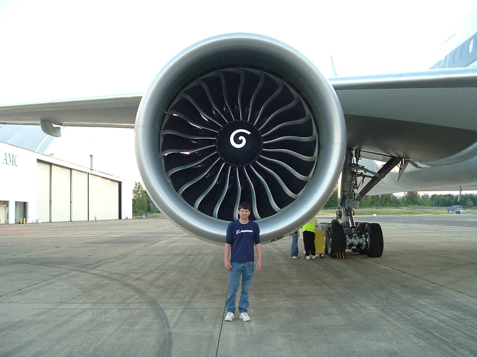 File Engine of Jet Airways Boeing 777 300ER Wikimedia mons