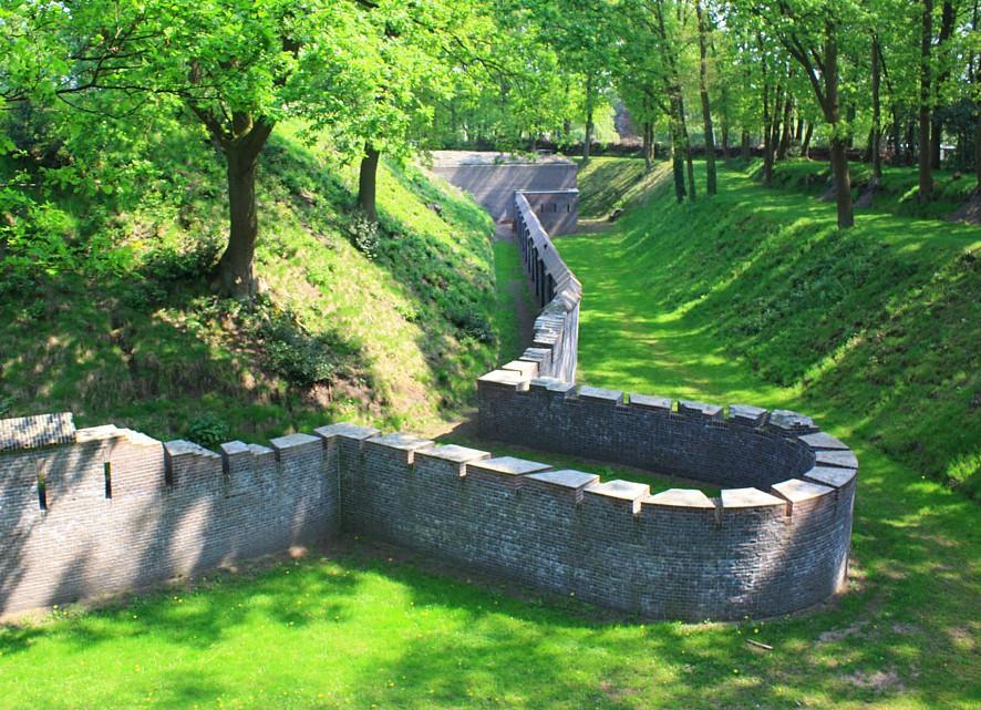 Fort Werk 4, polygonale fort (bij Sportpark De Kuil) in Bussum ...