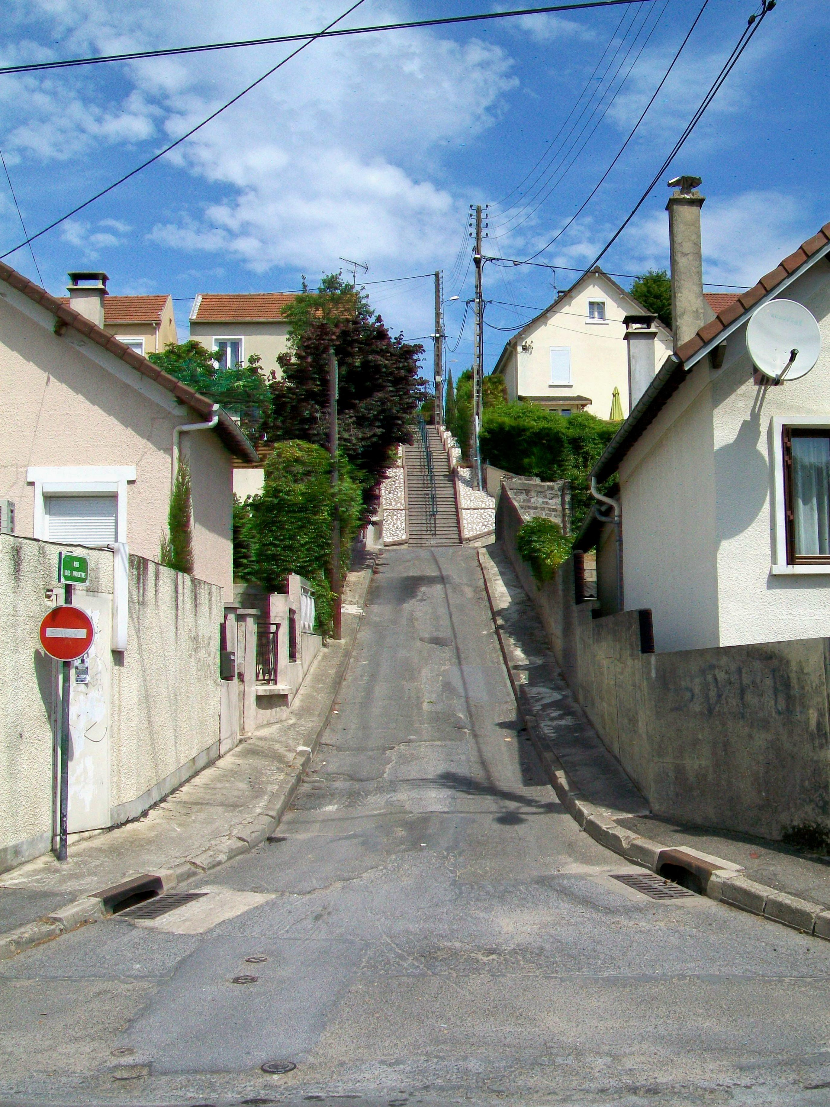 Rue Des Violettes Combs La Ville