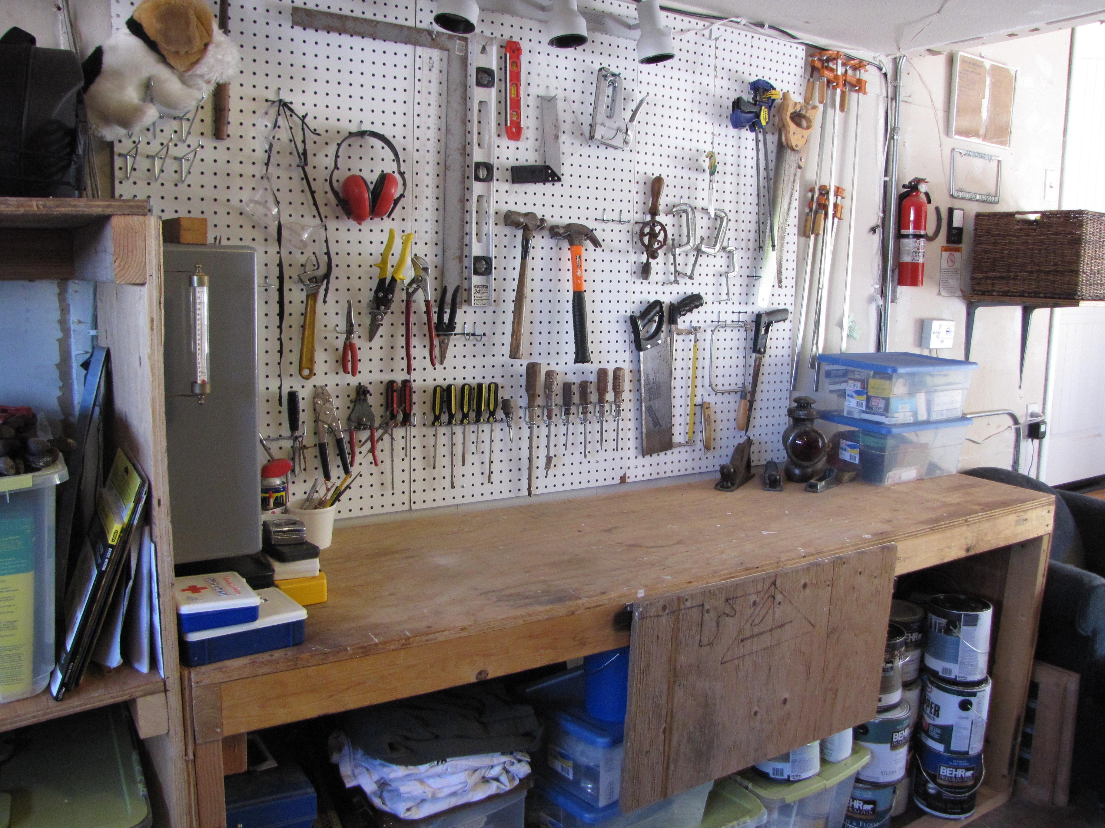 Superb File Garage Workbench 1 Wikimedia Commons Machost Co Dining Chair Design Ideas Machostcouk
